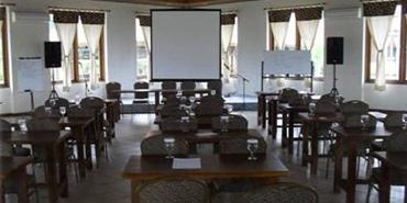 Villa Bukit Pinus - Bogor